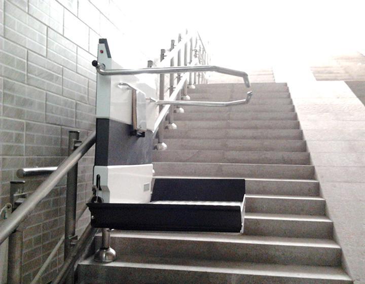 斜挂式残疾人龙8国际最新网址平台