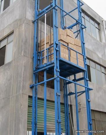 室外龙8国际最新网址货梯