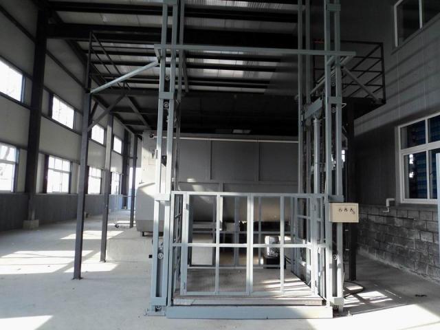 导轨式龙8国际最新网址货梯