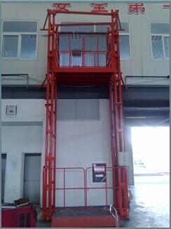 导轨式龙8国际最新网址货梯厂家直销济南华工机械专售