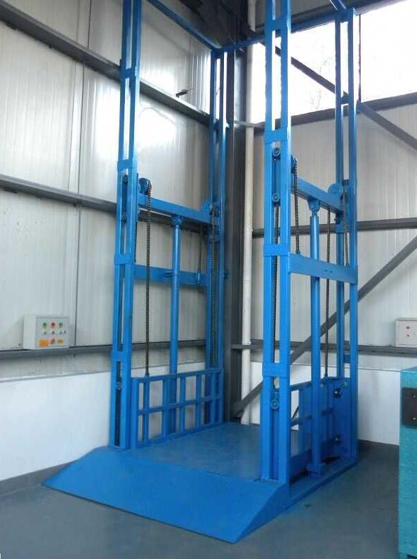 导轨式升降货梯生产设...